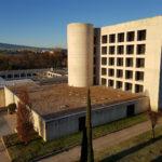 Cubierta no transitable lastrada con grava - Biblioteca Humanidades UNAV Pamplona
