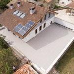Terraza transitable con plots regulables y pavimento gran formato - Berrioplano